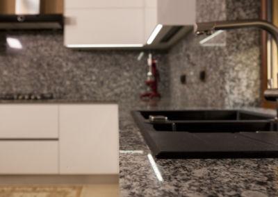 Blat de granit lustruit Spray White, 2 cm(1)