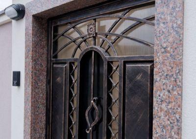 Gard din piatra naturala. Granit G562 -2cm- lustruit
