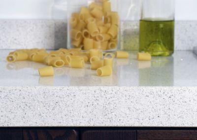 Кварцевая столешница для кухни Quartz Bianco Stardust 2 cm