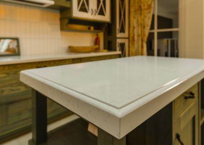 Кварцевая столешница для кухни Quartz Lyscamm, 2 cm( showroom Damascan)