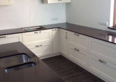 Кварцевая столешница для кухни Quartz Marron Glace 2 cm