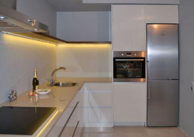 Кварцевая столешница для кухни Quartz Sabbia Beige 2 cm