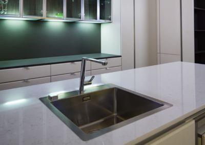 Кварцевая столешница для кухни Quartz Victoria 2 cm