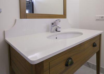 Кварцевая столешница в ванную Vega -2cm, lustruit