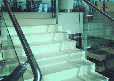 Лестницы из искусственного камня Lapitec Bianco Crema -2cm -dune (Aeroport Chisinau) (2)