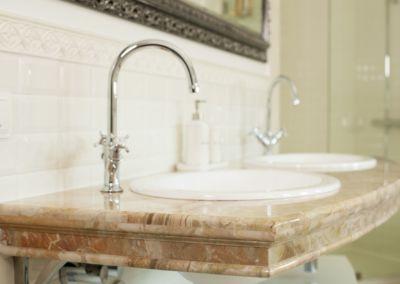 Мраморная столешница в ванной Breccia Oniciata -3cm (4)