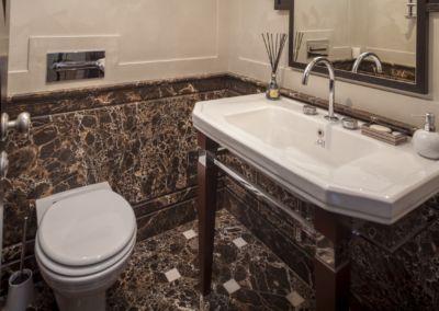 Мраморная ванная комната Emperador gold -brushed, antic -2cm