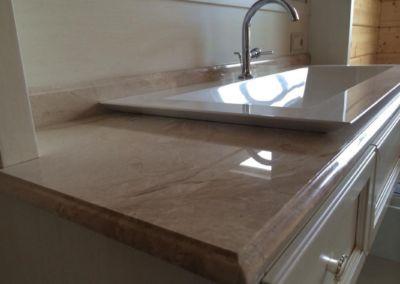 Столешницы из мрамора в ванную Breccia Oniciata -3cm - lustruit