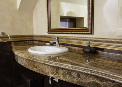 Столешницы из мрамора в ванную Emperador Dark -3cm