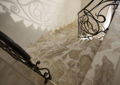 лестница из мрамора Breccia Oniciata -2cm -lustruid (5)
