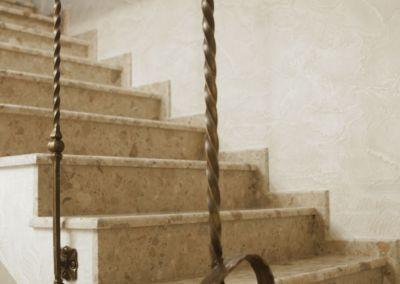 лестницы из искусственного мрамора(агломрамор) Breccia Aurora -3cm -lustruit (2)