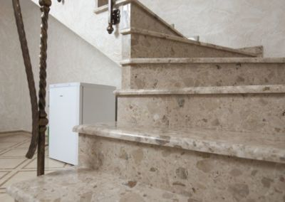 лестницы из искусственного мрамора(агломрамор) Breccia Aurora -3cm -lustruit (4)
