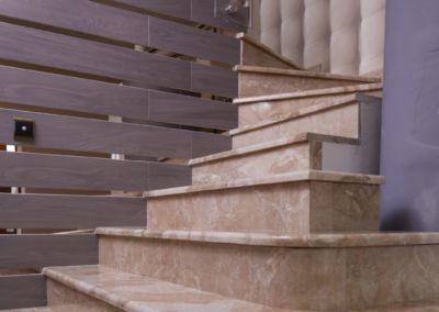 мраморная лестница Breccia Oniciata -2cm -lustruid