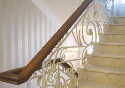 мраморная лестница Crema Marfil -2cm -lustruid (2)