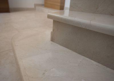 мраморная лестница в Кишинёве Crema Marfil -2cm -lustruid (5)
