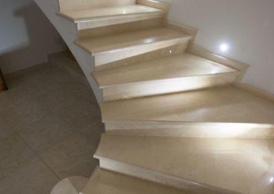 мраморная лестница в Кишинёве Crema Marfil -2cm -lustruid (6)