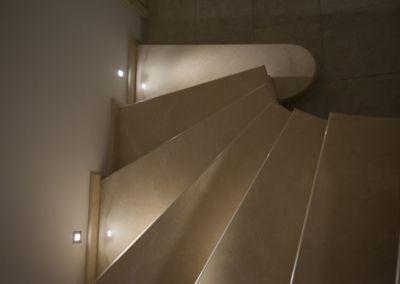мраморная лестница в Кишинёве Crema Marfil -2cm -lustruid (7)