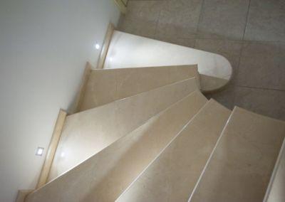 мраморная лестница в Кишинёве Crema Marfil -2cm -lustruid (8)