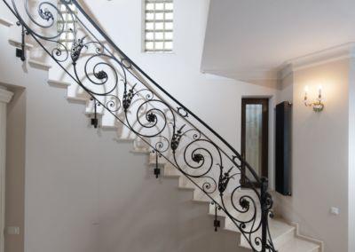 мраморные лестницы для дома Crema Marfil -2cm -lustruid (11)
