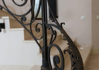 мраморные лестницы для дома Crema Marfil -2cm -lustruid (12)