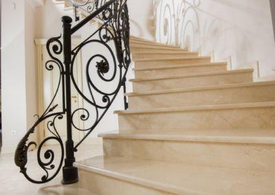 мраморные лестницы для дома Crema Marfil -2cm -lustruid (14)