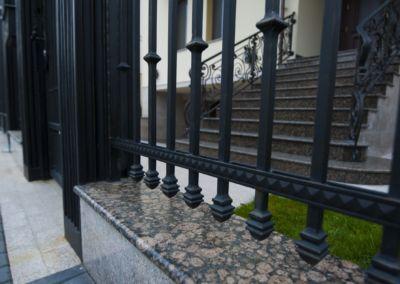 Piatra pentru soclu. Granit exterior Baltic Brown 2см полированный(2)