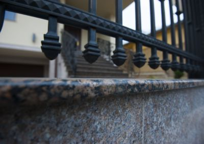 Piatra pentru soclu. Granit exterior Baltic Brown 2см полированный(4)