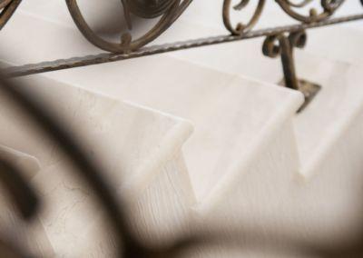 Scari din marmura Crema Marfil -2cm -lustruid (17)