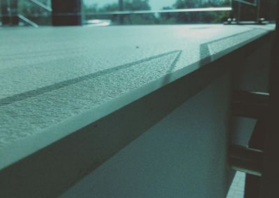 Scari din piatra artificiala Lapitec Bianco Crema -2cm -dune (Aeroport Chisinau) (4)