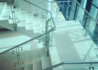 Scari din piatra artificiala Lapitec Bianco Crema -2cm -dune (Aeroport Chisinau) (6)